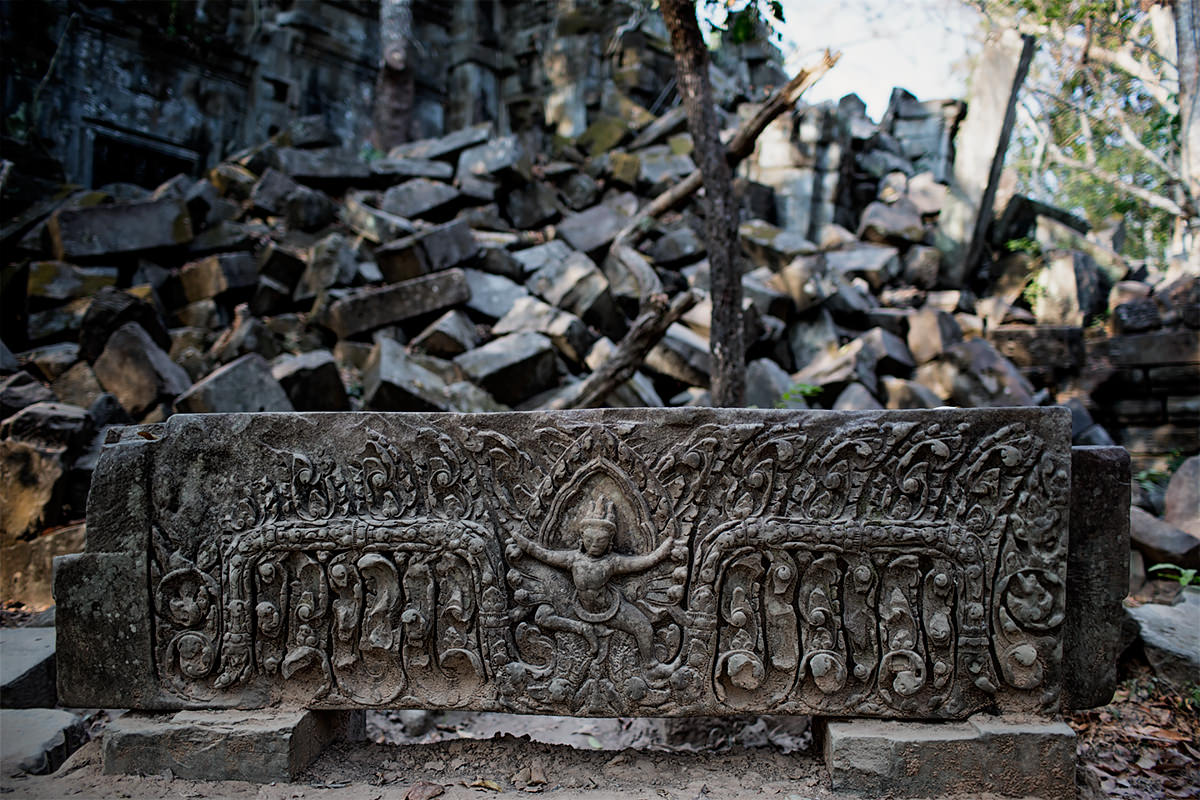 Bas relief at Beng Mealea ancient Angkor temple