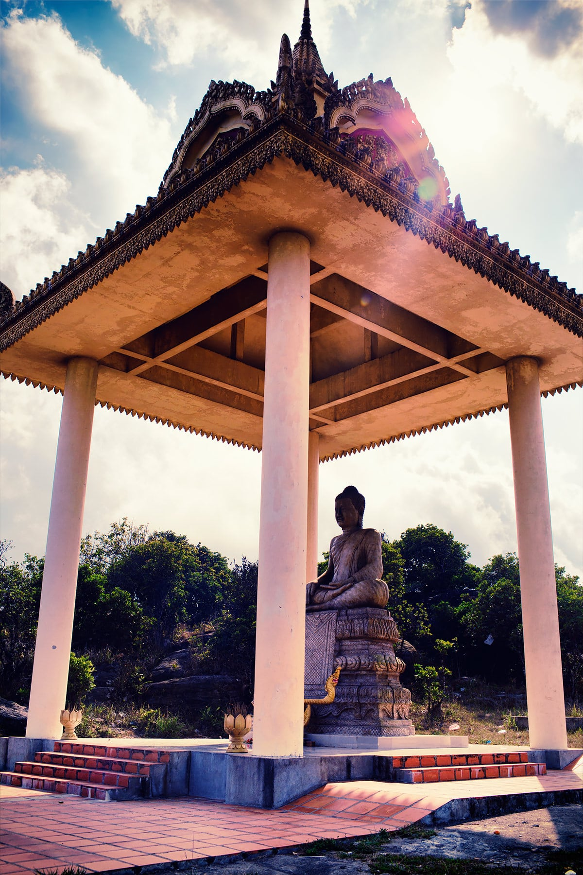 Buddha statue shrine at Phnom Bokor National Park