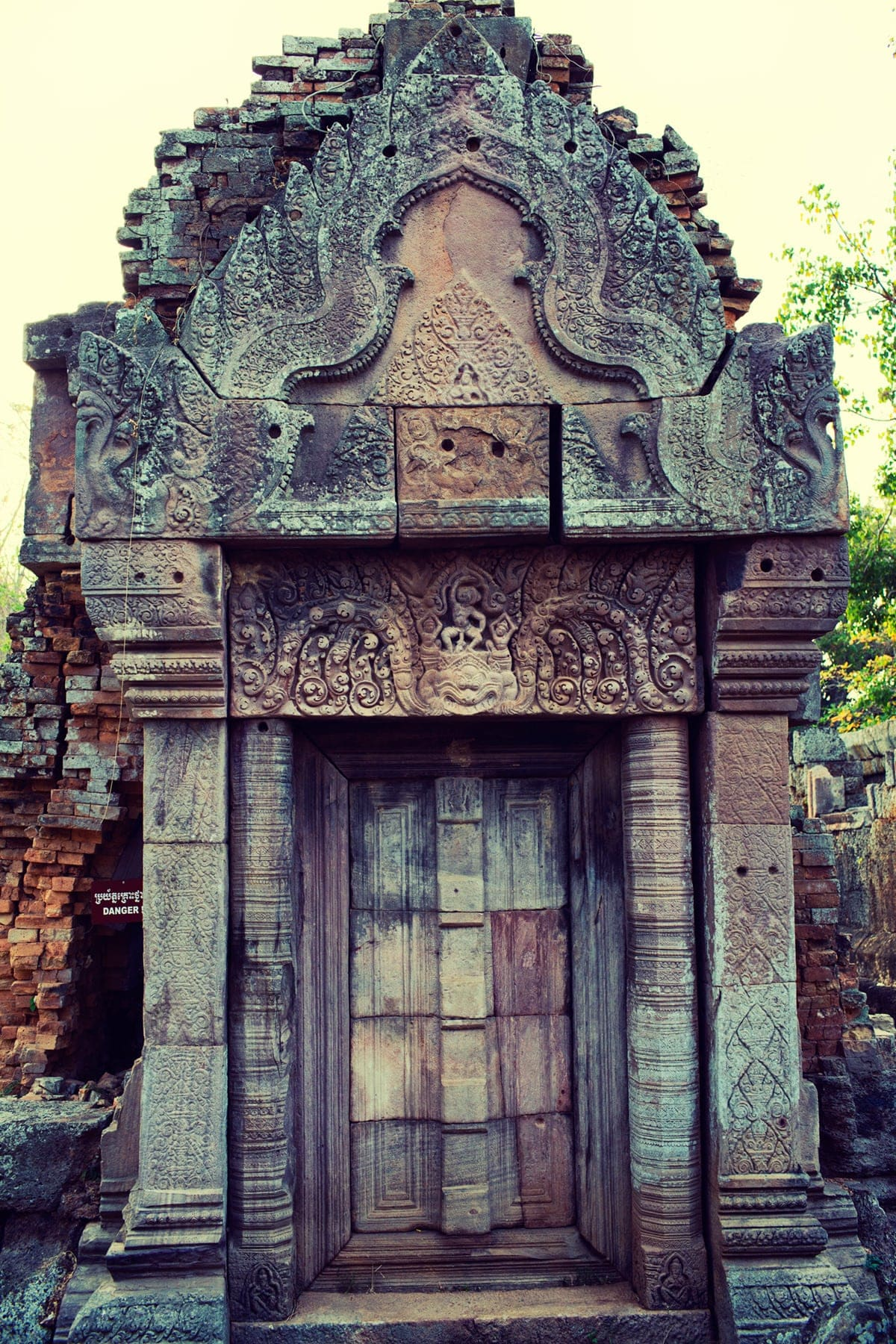 Phnom Chisor door with bas relief