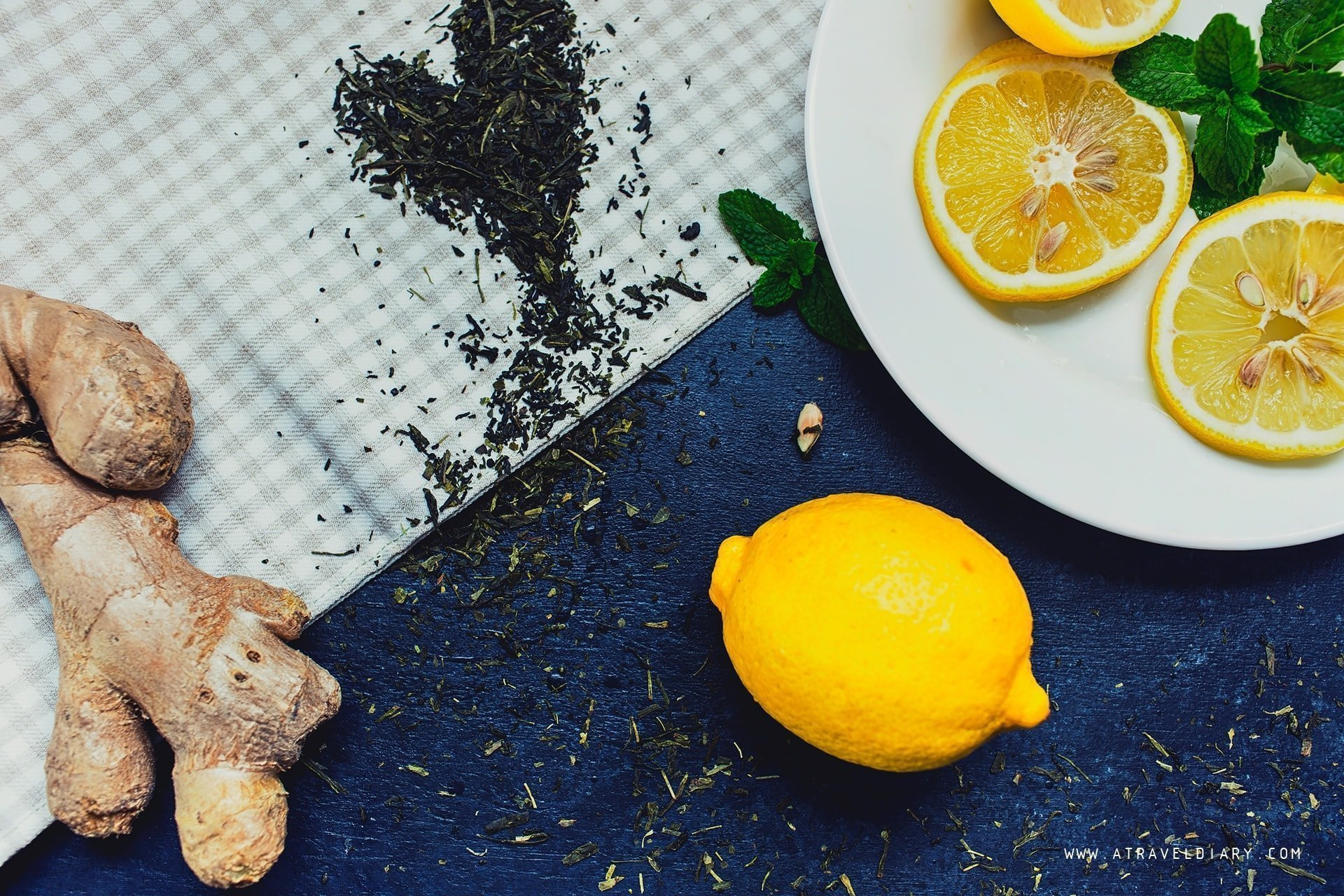 mint greentea ginger and lemon for ginger tea detox drink